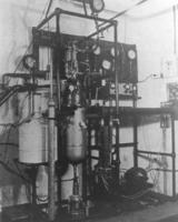 Expansion-engine Helium Liquefier